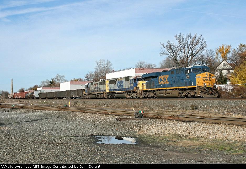 CSX 755 on Q-439