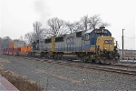 CSX 8551 on Q-195