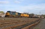 CSX 5233 on Q-438