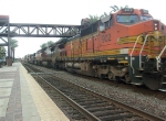 BNSF 902 with some warbonnet