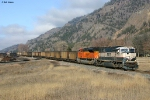 MRL/BNSF E-SPBEBM0-22A heading down the 10th Sub