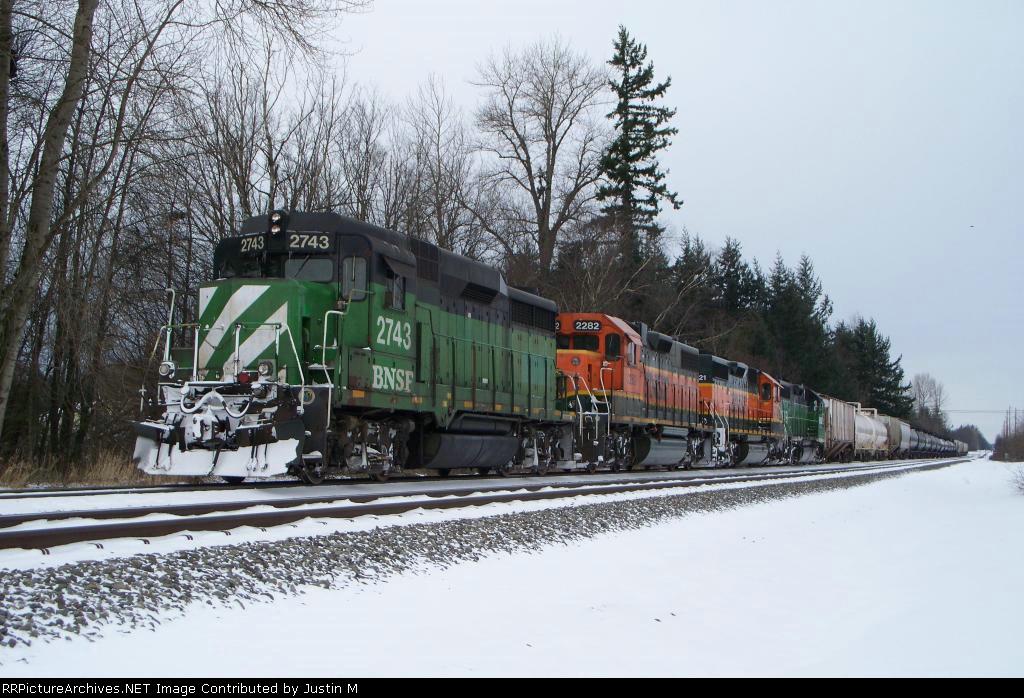 BNSF 2743