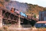 WE 3068 crossing the Bellaire Bridge