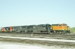 IC 1026, 1009 and BNSF 4834