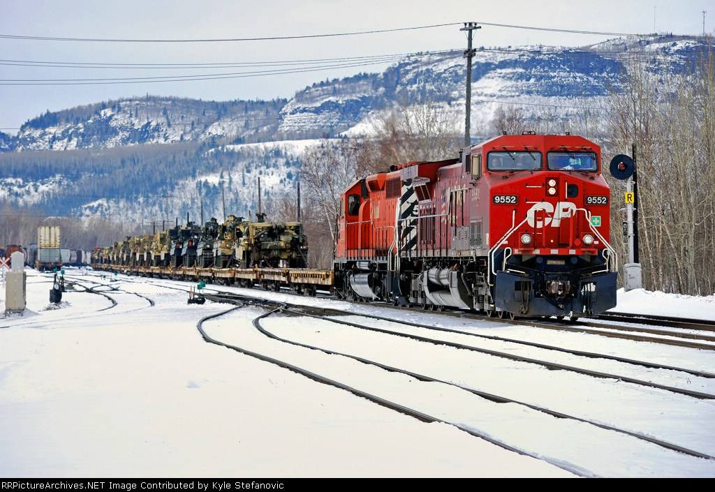 CP ARMY-09 Preparing to depart Thunder Bay