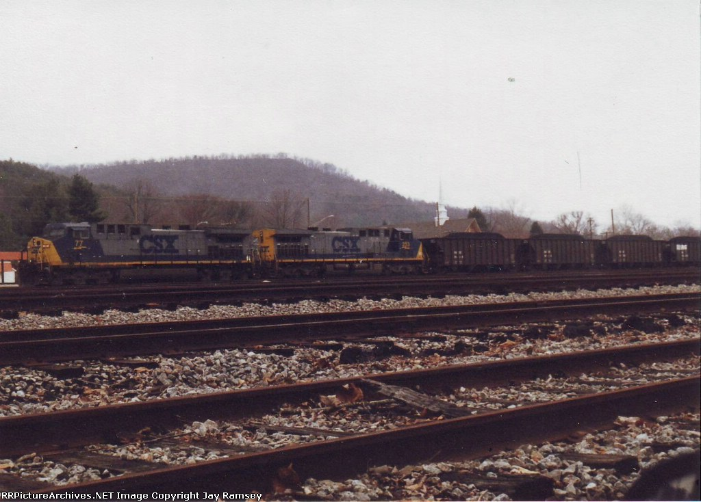 CSX #77 and 253 and KUCX unit train