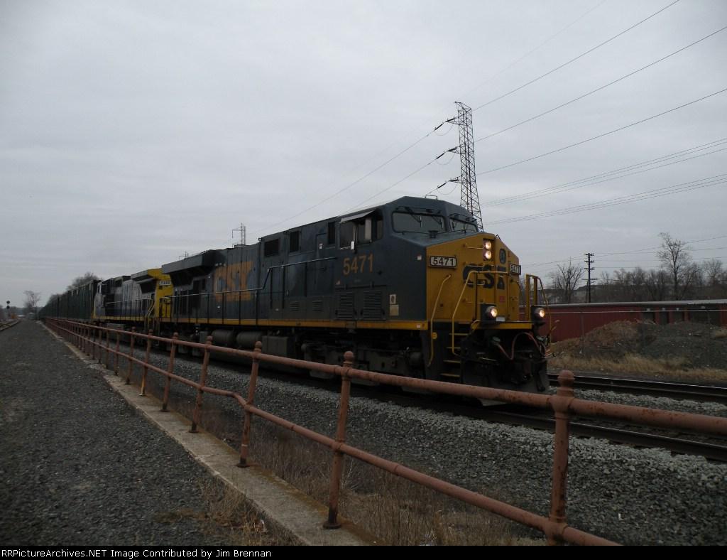CSXT ES44DC 5471 leads a C44-9W