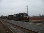 Norfolk Southern D40-9CWs 9067 and 9258 lead 33K