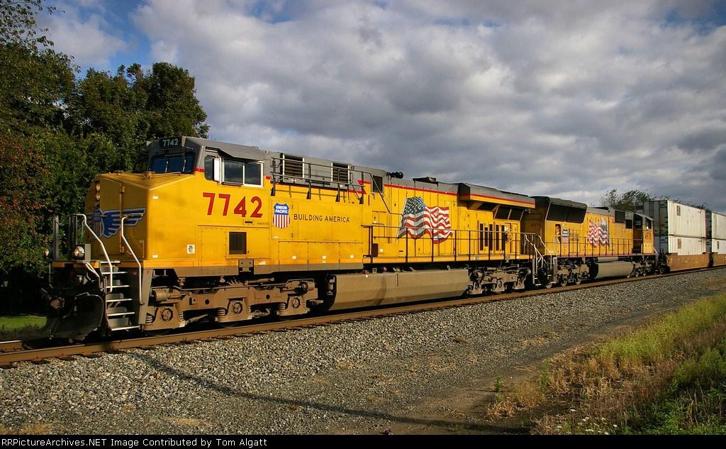 NS 211 WB on the Lurgan Branch