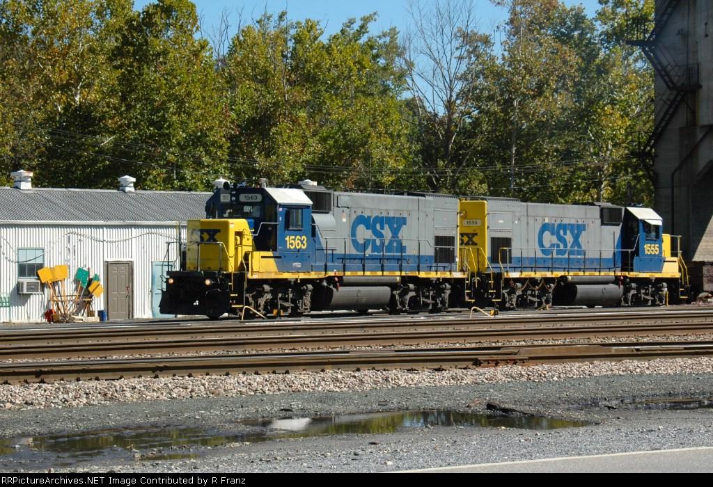Pair of GP15s in Sandy Hook Yard