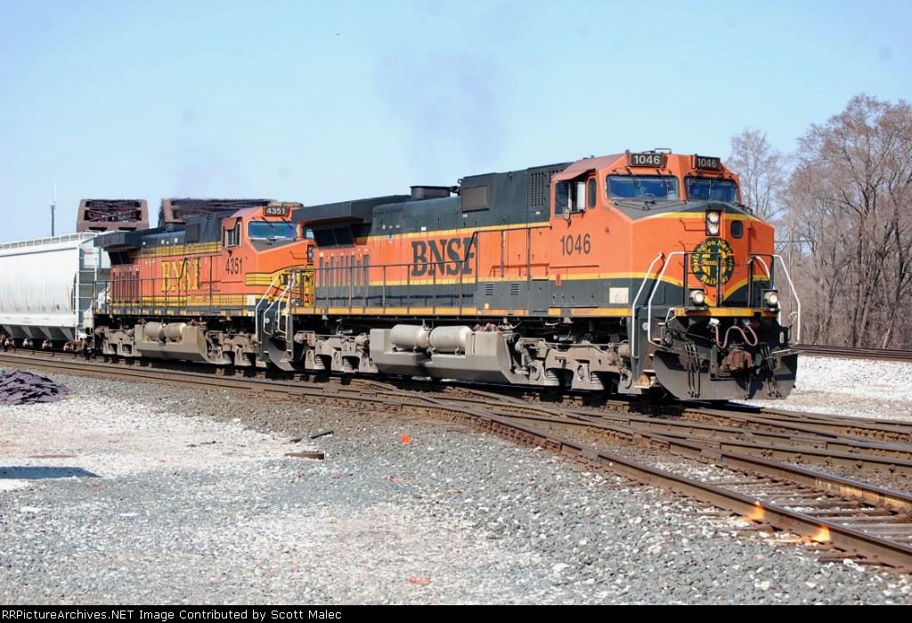 BNSF 1046 & 4351