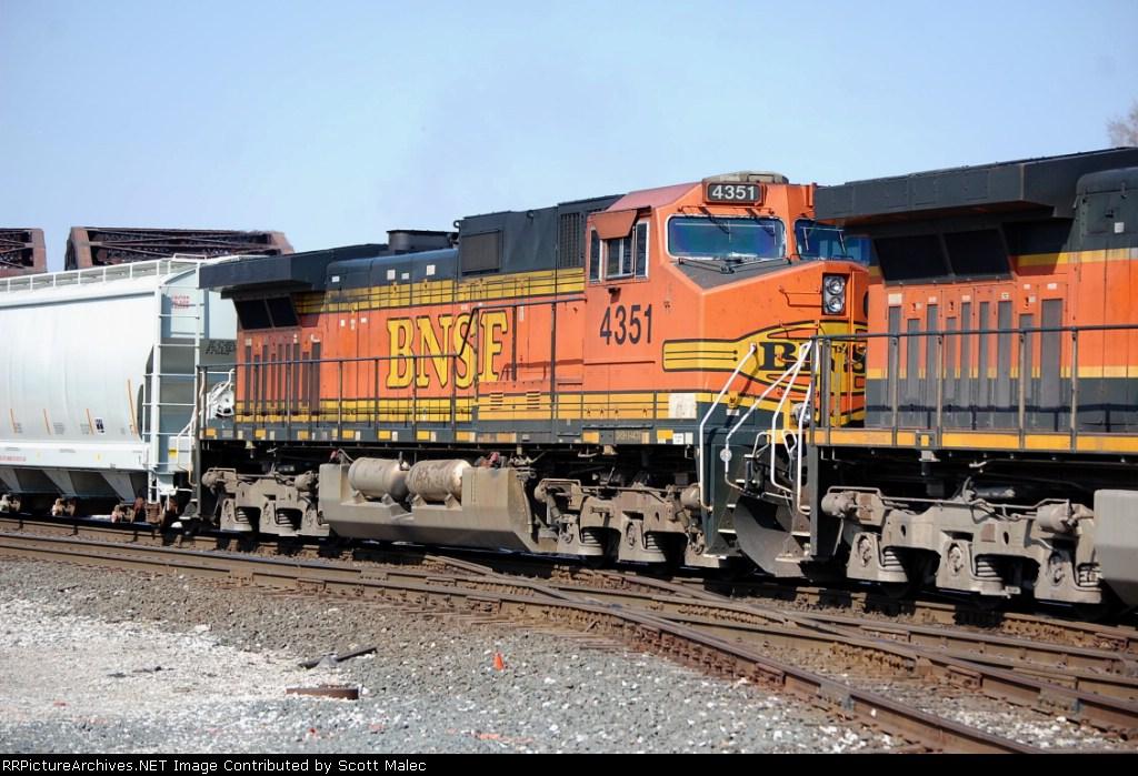 BNSF 4351