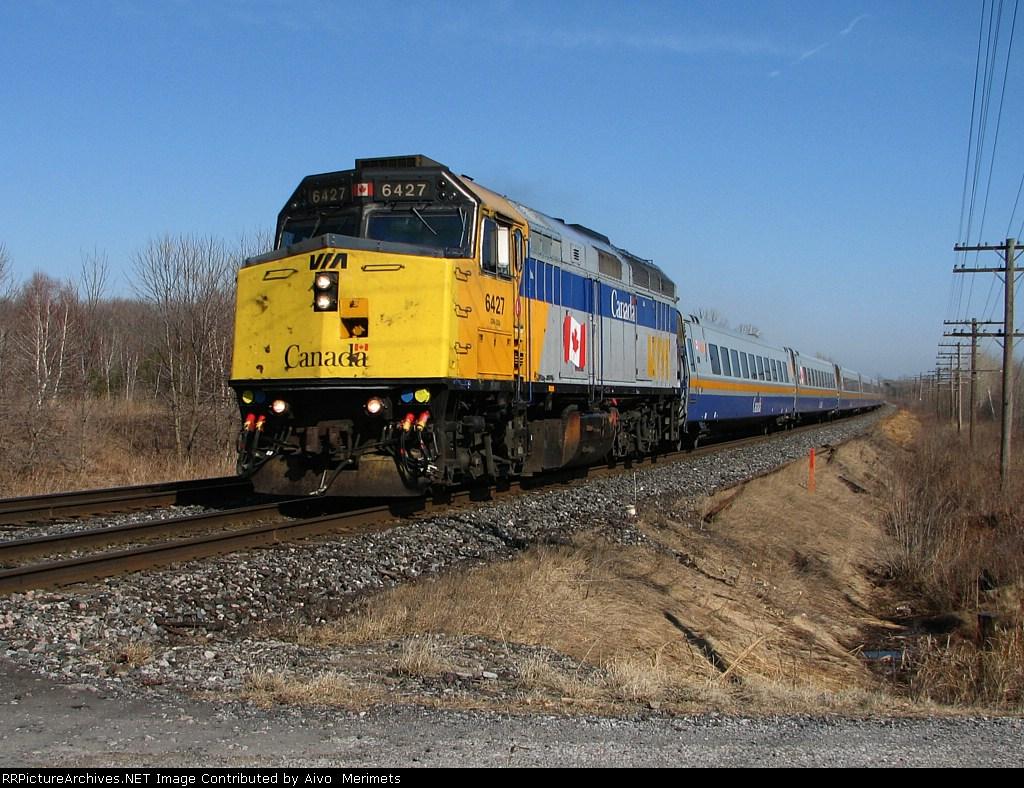 VIA 6427 at Mile 260 Kingston Sub.