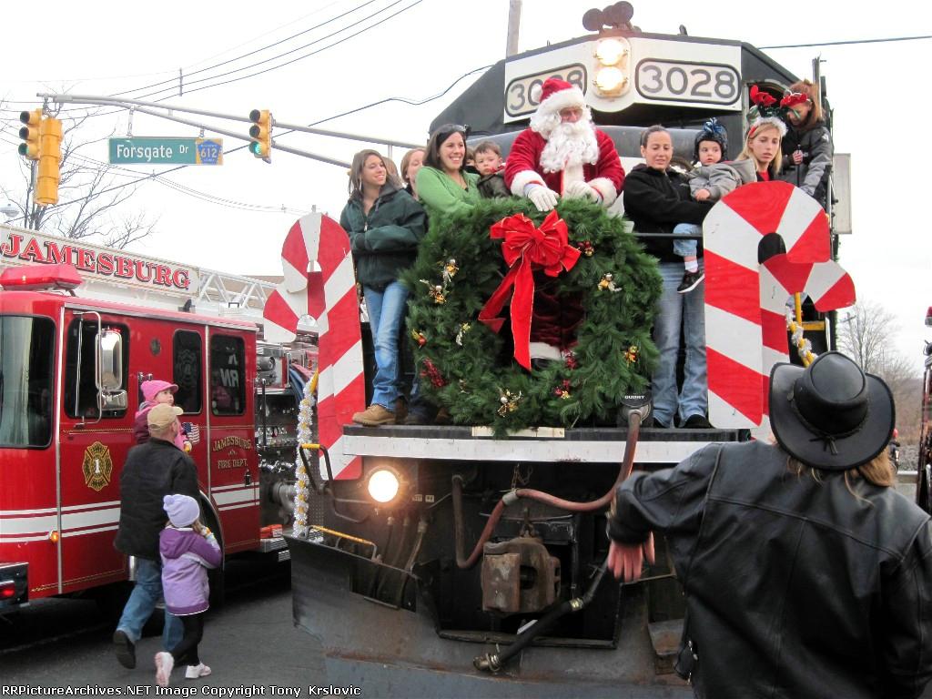 NS 3028 Santa Train 2010