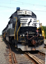 NS 1703 Ex Erie Lackawanna Locomotive