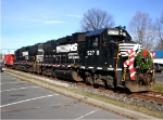 NS 5278 The Brown's Yard Santa