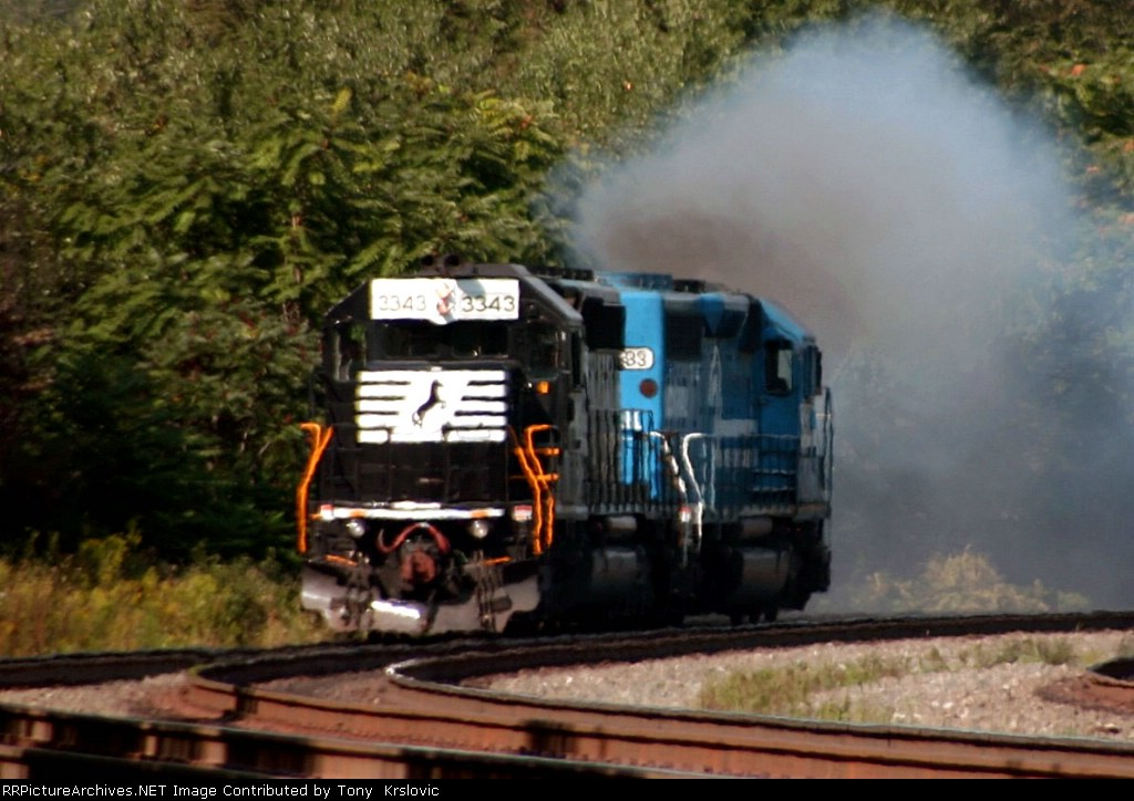 NS 3343 Racing back to the curve