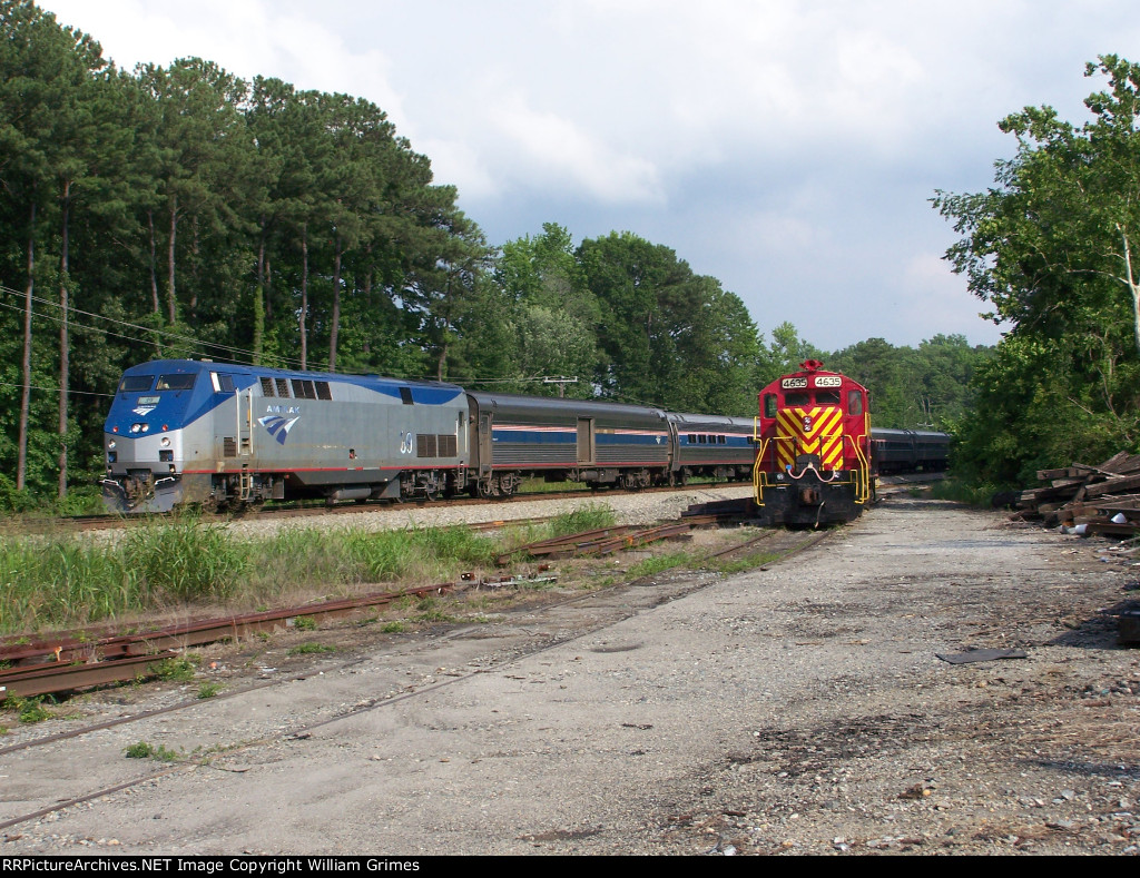 Amtrak P066 passing Army/CSX interchange