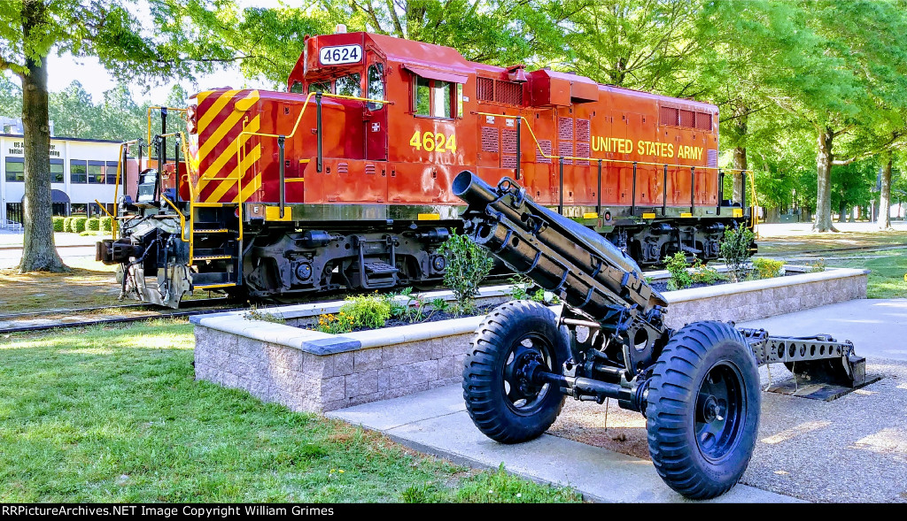 Locomotive and Howitzer