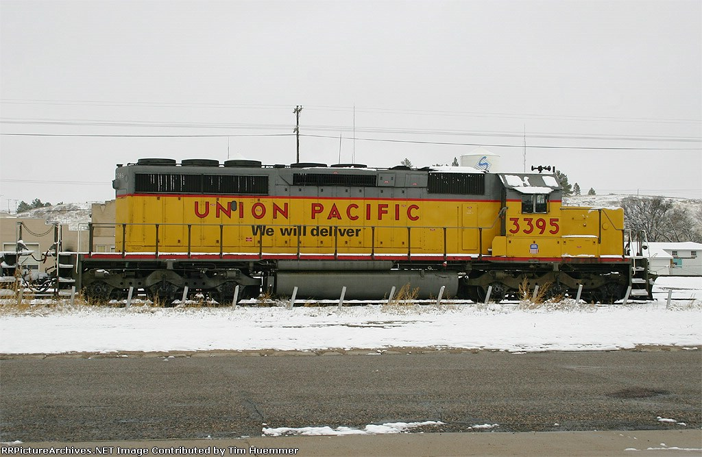 SD40-2 parked