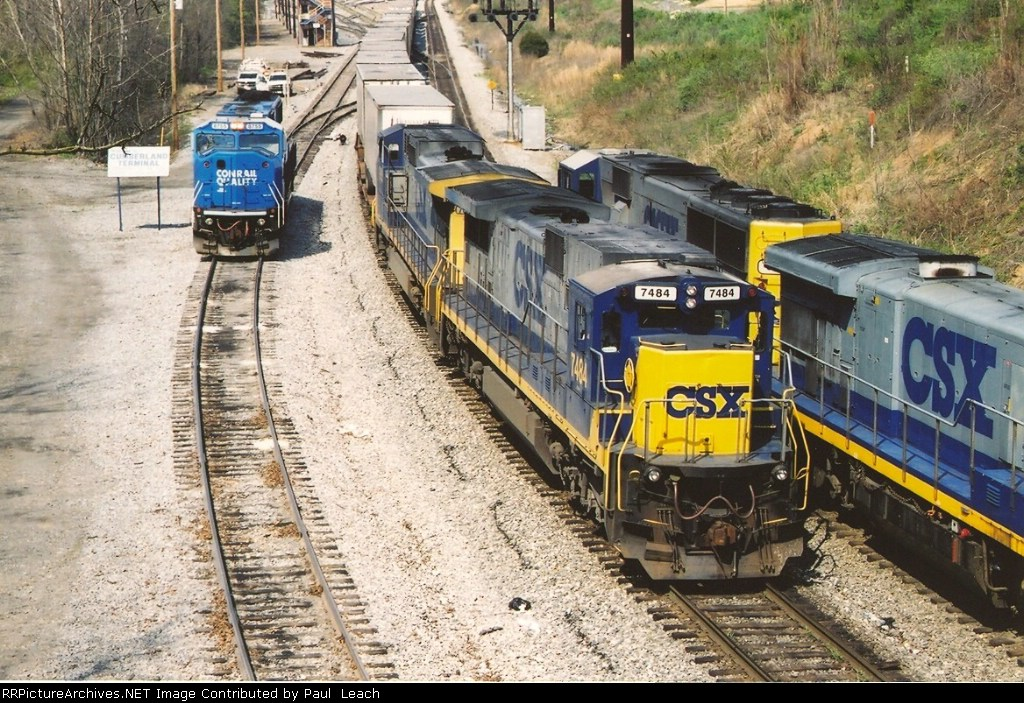 Eastbound intermodal departs east end of yard
