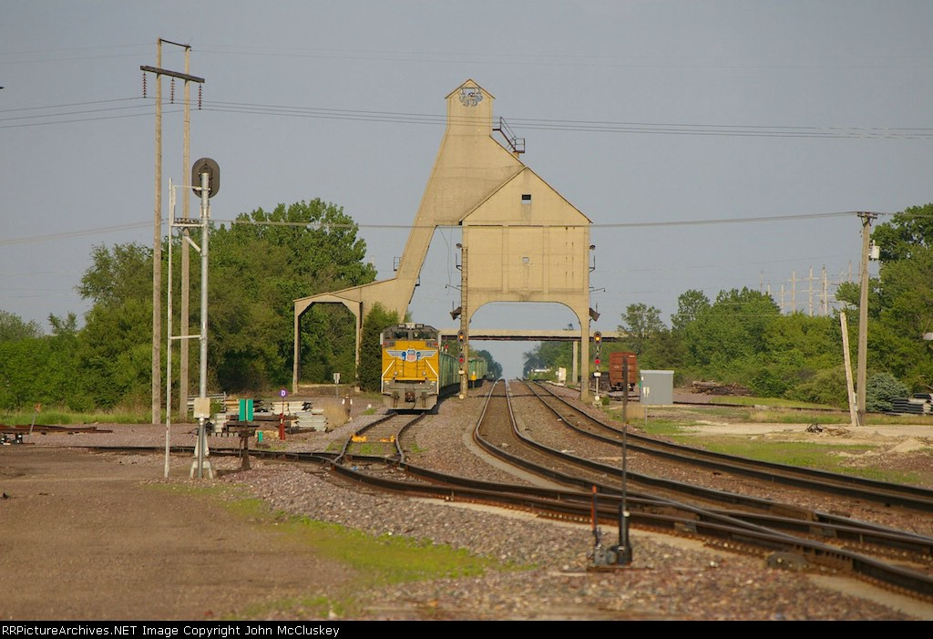 UP 8610 under old coaling tower