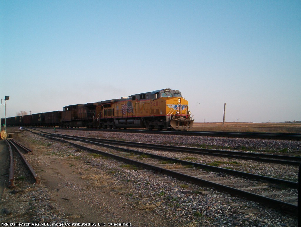 UP 5601 moving coal hopper west to the basin.