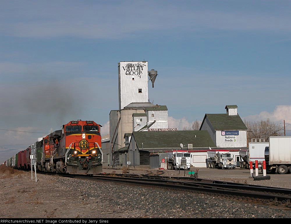 Southbound passing Worland Valley Coop