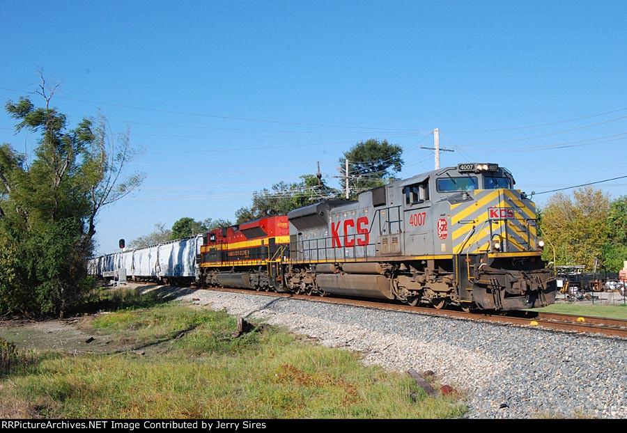 KCS 4007 southbound