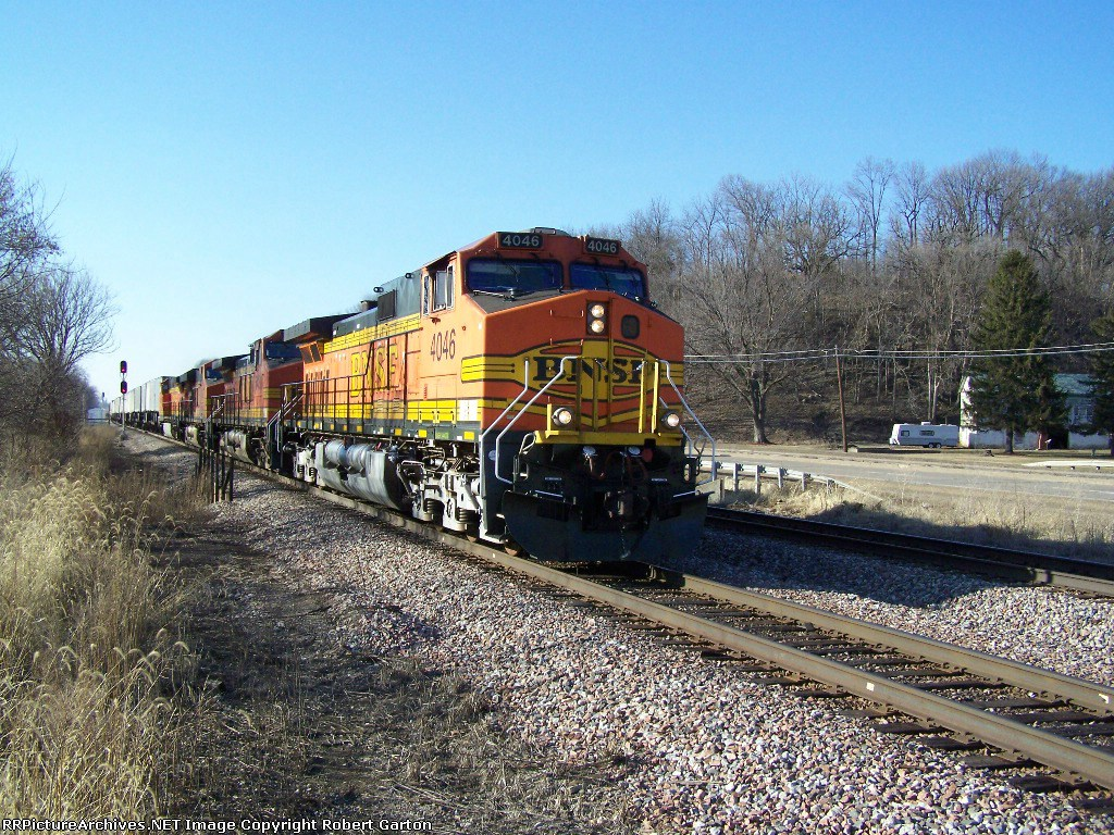 BNSF 4046 Passes on Main 2 of the Aurora Subdivision
