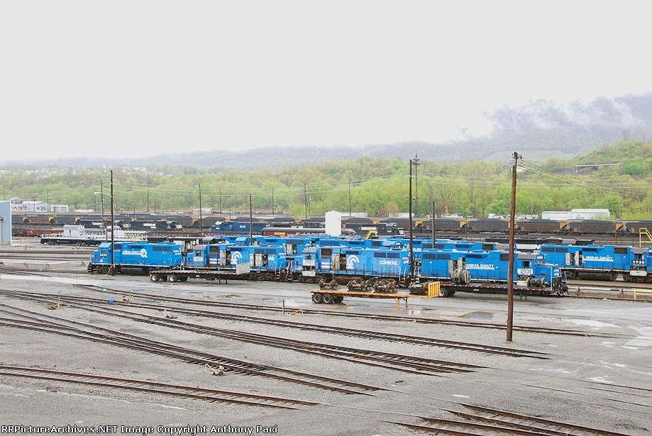 Stored Conrail GP38's