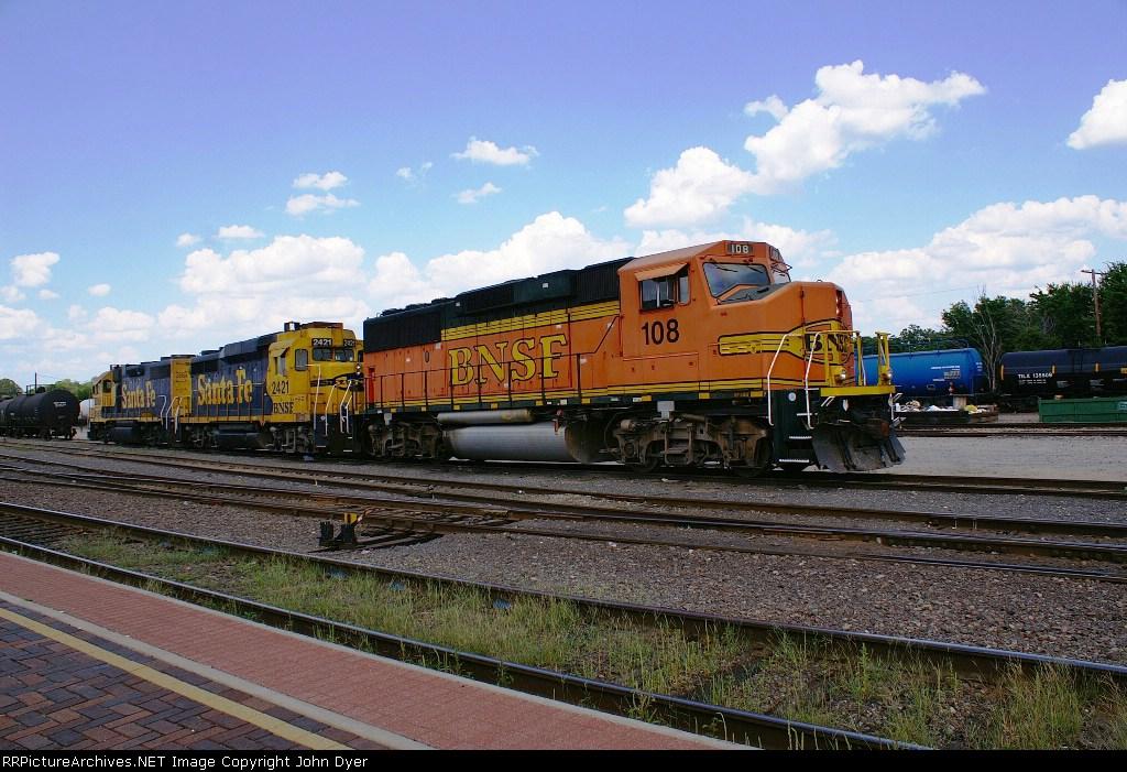 BNSF 108 and ex-Santa Fe BNSF 2421