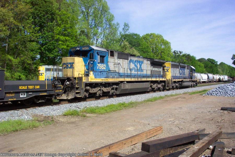 Train Q548