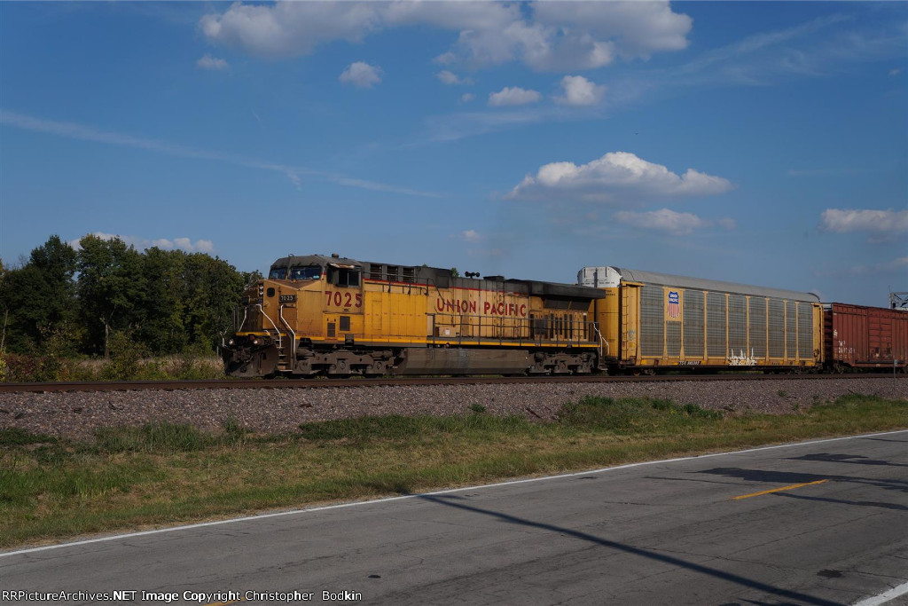 UP 7025