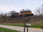 UP 3147 leads a mix west