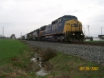 CSX 7754 leads a short mix through Calcutta