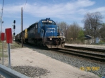 CSX 8812 leads Q395 past Haley Tower