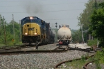 Q671 passes his setout which butts out into the yard lead