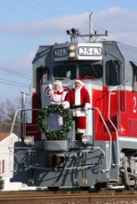 Mr. and Mrs. Claus make a triumphant appearance into Linton