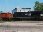 NS 7513 & BNSF 5087