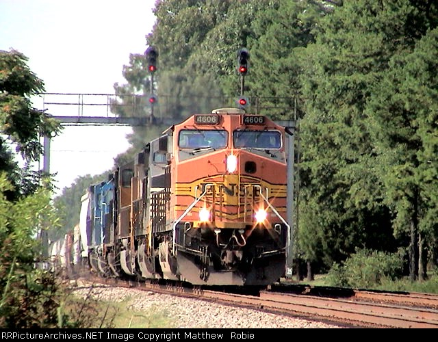 BNSF 4606/NS 173