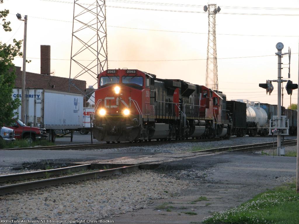 CN 2563