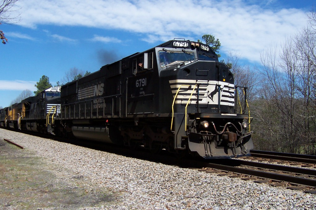 NS 6791 rolls onward