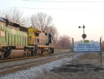 CSX 7563 South by the signals