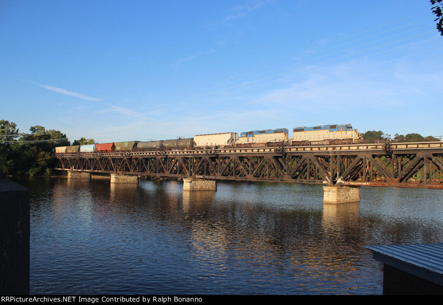 Morning sun hits northbound local D45 as it crosses the Mohawk River