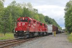 CP/D&H local D45 rolls south through CPF 477 with an all red consist