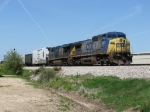CSX 7871 leads Q326-19 into the siding