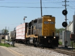 WAMX 3829 leads Z739/GDLK120 north past Watson St with 2 cars for the GRE