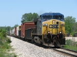 CSX 289 rolls east solo with L326-30