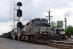 NS 9219 w/empty hoppers